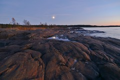 Nightfall in the fall (Mika Lehtinen) Tags: red moon moonlight night dusk sea shore autumn hst syksy fboda finland suomi kuu