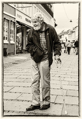 Old man on the street (knud.hald) Tags: streetphotographykøge2016 fujixt10 fuji blackandwhite bw oldman artistic art knudhald nikpresets niksilverefexpro fujinonxf18551284rlmois fujix køgedenmark køge street streetphotography portrait