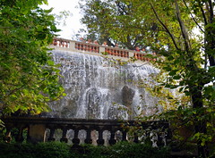 The waterfall, Colline de Chateau (Castle Hill), Nice. (Roly-sisaphus) Tags: nice southoffrance cotedazure frenchriviera mediterranean nikond802016dsc1051