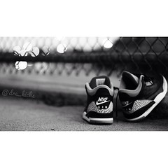 Blvck cements (AndreRPhotography) Tags: 2001 bw canon fence nike longbeach jays lbc t3i nikeair airjordan jordans blackcement 562 airjordans canonrebelt3i uploaded:by=flickrmobile flickriosapp:filter=nofilter