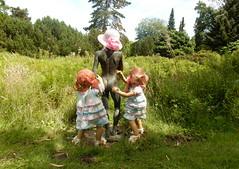 FKK im Gruga Park ... (Kindergartenkinder) Tags: dolls himstedt annette kindergartenkinder essen park gruga garten kind personen annemoni sanrike skulptur