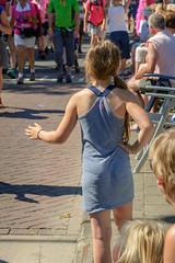 high five (stevefge) Tags: nederland netherlands beuningen vierdaagse nederlandvandaag reflectyourworld march party street people girls candid summer kids children kinderen