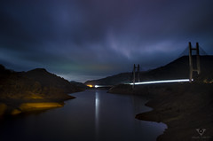El puente de la luna (VisualQuality) Tags: vq visualquality visualqualitystudio fotografía noch noche nocturna puente embalse cielo nubes paisaje