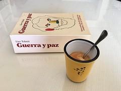 Da 4 | Caf con Tolsti (Chimista) Tags: jan libros caf taza 365coffeeroad