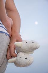 Casi 9 (palm z) Tags: alicante espaa spain embarazo embarazada beb barriga luna zapato zapatos zapatito zapatitos mano manos cruzados cruzadas