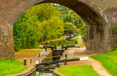 Park Head Viaduct And Locks (williamrandle) Tags: arch parkheadlocks viaduct dudleycanal waterways dudley netherton westmidlands uk england summer 2016 blowersgreenpumphouse trees outdoor towpath water reflections brick history nikon tamron2470f28vc
