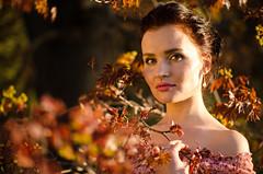 DSC_3953 (Altvod) Tags: portrait girl    nature  botanicalgarden  maple people
