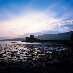 Eilean Donan Castle Sunset (Matteonibo) Tags: eilean donan castle scotland hasselblad swc kodak portra 160 carlzeissbiogon38f45 carlzeiss 38f45 film sunset