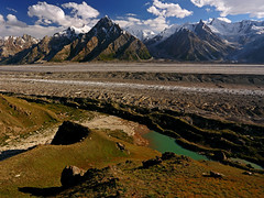 Baintha: Lake, glacier and mountains (Shahid Durrani) Tags: karakorams karakoram biafo glacier baltistan pakistan