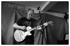David Grubbs @ Cafe Oto, London, 15th October 2016 (fabiolug) Tags: davidgrubbs guitar electricguitar cafeoto london dalston music gig performance concert live livemusic leicammonochrom mmonochrom monochrom leicamonochrom leica leicam rangefinder blackandwhite blackwhite bw monochrome biancoenero 35mmsummicronasph 35mmf2summicronasph summicronm35mmf2asph summicron35mmf2asph 35mm summicron leicasummicron leica35mm