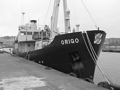 Origo vid Diagonalen i Lindholmen i Gteborg 2016 (biketommy999) Tags: lindholmen gteborg sverige sweden hisingen svartvitt blackandwhite biketommy biketommy999 2016 bt boat
