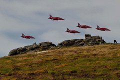 Red Arrows - Dartmoor (Darryl_Stevens) Tags: red arrows dartomoor jets raf moor devon