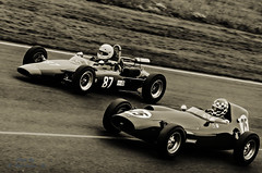 Castle Combe Vintage (RobLesliePhotography) Tags: fuji55200mm
