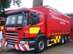 4523 - Cheshire FRS - PE63 OUO - 026 (Call the Cops 999) Tags: sunday 24 july 2016 uk gb united kingdom great britain england north west cheshire 999 112 emergency service services vehicle vehicles frs fire and rescue ellesmere port station open day scania p320 pe63 ouo foam unit led lightbar battenburg