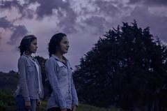 Caro y Tata (jhonatan9516) Tags: medellin girls green blue nikon d5100