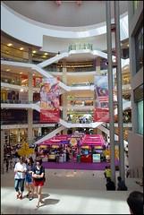 160914 Pavilion 4 (Haris Abdul Rahman) Tags: harimaysia pavilionkl streetphotography kualalumpur harisrahmancom harisabdulrahman fotobyhariscom leicaq leica typ116 wilayahpersekutuankualalumpur malaysia