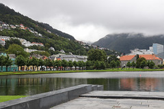 Norway, Bergen (tweedy35) Tags: europe scandinavia norway bergen city lake lillelungegardsvann canon80d clouds
