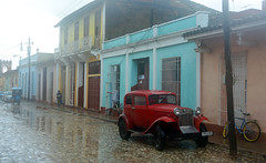 Pouring rain shot (lhb-777) Tags: car al capone usa amerika america fort trinidad cuba libre red rood old world wereld moist regen buiten outside vintage special auto jaren twintiger twenties worth great mafia weather out box terrible vochtig slecht d7100 protection camera licht light bad difficult moelijk omstandigheden tires