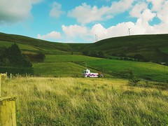 Volvo FH13 coming over the Bwlch Mountain (JAMES2039) Tags: volvo tow towtruck truck lorry wrecker heavy underlift heavyunderlift 6wheeler cardiff rescue breakdown ask askrecovery recovery fh13 pn09juc pn09 juc mountain bwlch windfarm
