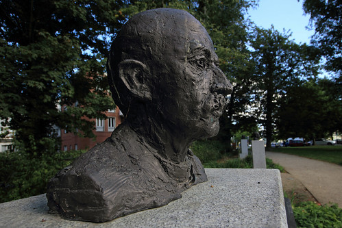 "Kieler Nobelpreisträger (08) • <a style=""font-size:0.8em;"" href=""http://www.flickr.com/photos/69570948@N04/29498468273/"" target=""_blank"">View on Flickr</a>"