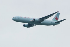 pl01oct16ac7671 (lanpie012000) Tags: aéroparcdelîleperrot csp6 aircanada boeing76738eer cgduz fin646