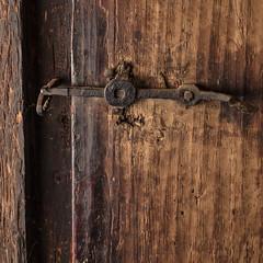 Old Door II (Role Bigler) Tags: canon canoneos5dsr door schweiz speedlight430ex suisse switzerland tamronsp45mmf18divcusdf013 doorhandle farmhouse indoor square veryolddoor