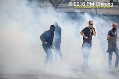 Manifestation pour l'abrogation de la loi Travail - 15.09.2016 - Paris - IMG_8187 (PM Cheung) Tags: loitravail paris frankreich proteste mobilisationénorme cgt sncf euro2016 demonstration manifestationpourlabrogationdelaloitravail blockaden 2016 demo mengcheungpo gewerkschaftsprotest tränengas confédérationgénéraledutravail arbeitsmarktreform lesboches nuitdebout antagonistischenblock pmcheung blockupy polizei crs facebookcompmcheungphotography polizeipräfektur krawalle ausschreitungen auseinandersetzungen compagniesrépublicainesdesécurité police landesweitegrosdemonstrationgegendiearbeitsmarktreform loitravail15092016 manif manifestation démosphère parisdebout soulevetoi labac bac françoishollande myriamelkhomri esplanadeinvalides manifestationnationaleàparis csgas manif15sept manif15 manif15septembre manifestationunitairecgt fo fsu solidaires unef unl fidl république abrogationdelaloitravail pertubetavillepourabrogerlaloitravaille