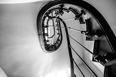 Escalier (La photo & moi....) Tags: noir et blanc escalier tourner hauteur