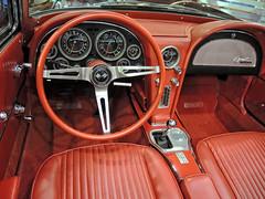 Stingray_interior_DSCN4444 copy (darioalvarez) Tags: cochesclsicos autoclssicoporto2016 oporto portugal octubre2016 exponor corvettestingray cochedeportivo rojo