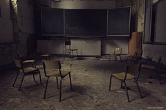 Heksenkring (Tamara de Koning) Tags: school chair chairs witchy room canon decay old dust