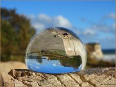 Halbkugel ... (der bischheimer) Tags: ostsee rgen kugel ball rund crystal derbischheimer kaparkona