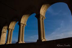 Vista sul mondo... (Roberto Fiscella) Tags: nicosiaenna nikon nicosia sicilia sicily robertofiscella chiesa colori color colors colonna colonne finestre