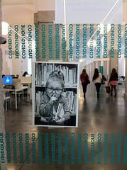 l'internationale des #chignonlunettes (charlotte henard) Tags: madrid library libraries biblioteca bibliothque bibliotheque signaltique biblioturismo bibliotourisme chignonlunette bibliotourismemadrid