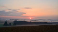 Sonnenaufgang bei Heeselicht (Sandsteiner) Tags: sonnenaufgang sunrise nebel fog sommer landschaft elbsandsteingebirge sandsteiner