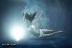 Sinking (aorr) Tags: red sinking nauticam underwater strobist
