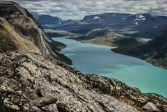 Lake Gjende, Norway (Karol Majewski) Tags: norway norge norwegia scandinavia landscape nature jotunheimen krajobraz mountains gry lake jezioro gjende besseggen ridge gjendesheim vg oppland chmury clouds water woda wander wanderlust