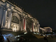 Metropolitan Museum of Art Night Fountains 5095 (Brechtbug) Tags: metropolitan museum art lobby exterior facade front entrance stairs outside building new york city summer 09102016 nyc cityscape east skyline urban afternoon july 2016 arts gallery buildings sculpture architecture statue crowd crowds met museums manhattan uptown 5th ave fifth avenue arch arches nite night time evening fountain fountains