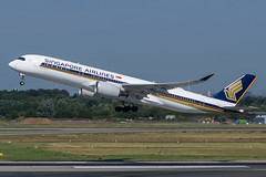 Singapore Airlines / A359 / 9V-SMA / EDDL (_Wouter Cooremans) Tags: green eddl dus dusseldorf dusseldorfairport dsseldorfflughafen dsseldorf dsseldorfairport spotting spotter avgeek aviation airplanespotting