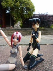 Zero and Yuki (.PoisonedDeath.) Tags: busoushinki busou shinki figure konami seed mms juvisy yuki howling dog zero