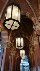 The entrance to St Pancras station [shared] (Simon Bolton UK) Tags: london stpancras station railway lights s5