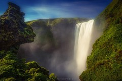 Stony Viewer (Blai Figueras) Tags: islandia sky panorama montaas cascada agua water mountains field landscape atardecer atmosphere fall acantilados longexposure stones le paraiso eden flowers amanecer paisaje flickr flores fog waterfall flors iceland cielo clouds silkeffect
