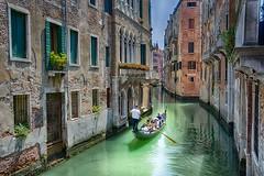 Paseo en gondola. (De carrusel) Tags: 2016 ciudad venezia veneto italia it