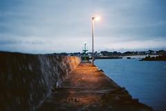 Port de la pointe (charles.lequerrec) Tags: pointedetrvigon bretagne finistere breizh bzh harbor port tregunc argentique analog film jete quai light nightlight