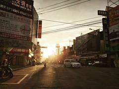 (ChanXe) Tags: shadow light urban sunset sun streetshot street taichung taiwan