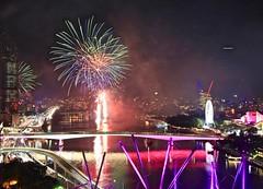 2016 Sunsuper Riverfire, Brisbane Queensland. (Photos by Lance) Tags: fireworks outdoor brisbanecbd night afterdark metro urban river water bridges streaks