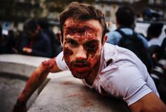 DSC00792 (une_semaine) Tags: zombie pairs place rpublique