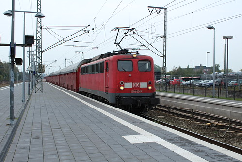140 850 met autotrein richting Emden