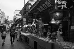 R1008323_WUHAN STREET SNAPSHOT (DAZZLE IMAGE) Tags: ricoh gxr a12 28mm wuhan street snapshot
