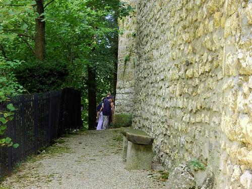 Vieux murs, vielle banc