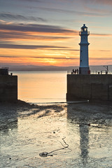 Newhaven Sunset 2 24 May 2013 (Grant_R) Tags: sunset lighthouse scotland edinburgh harbour newhaven firthofforth newhavenharbour newhavenlighthouse grantr
